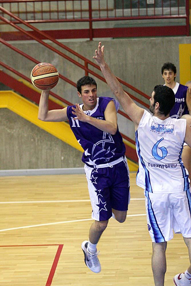 Stars Basket Bologna - MENARINI in azione